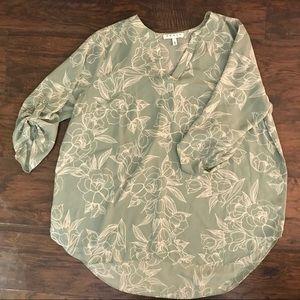 V-neck flowy blouse